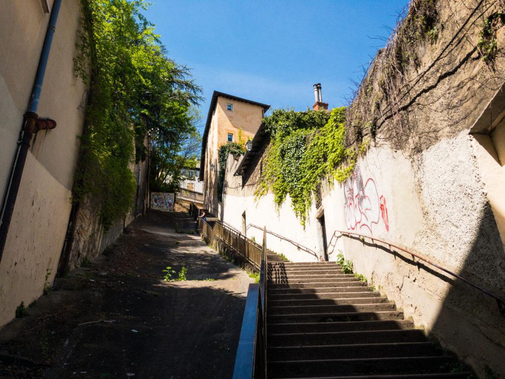 リヨンのフルヴィエールへ続く大きな階段
