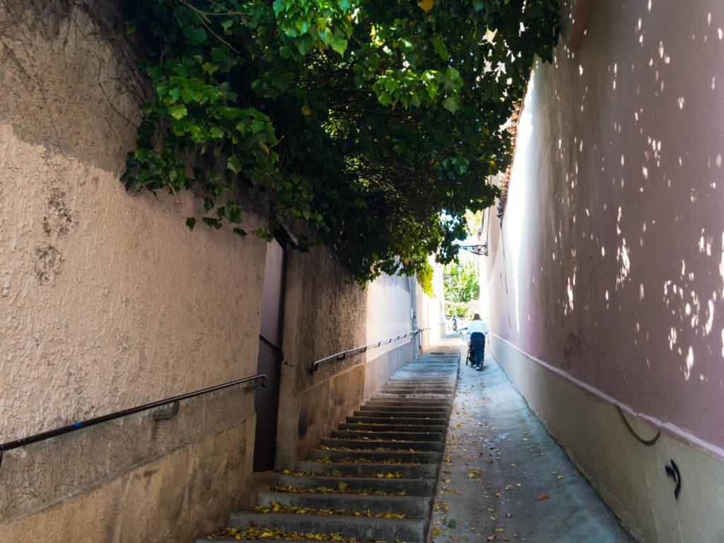 リヨンクロワルースの長い階段