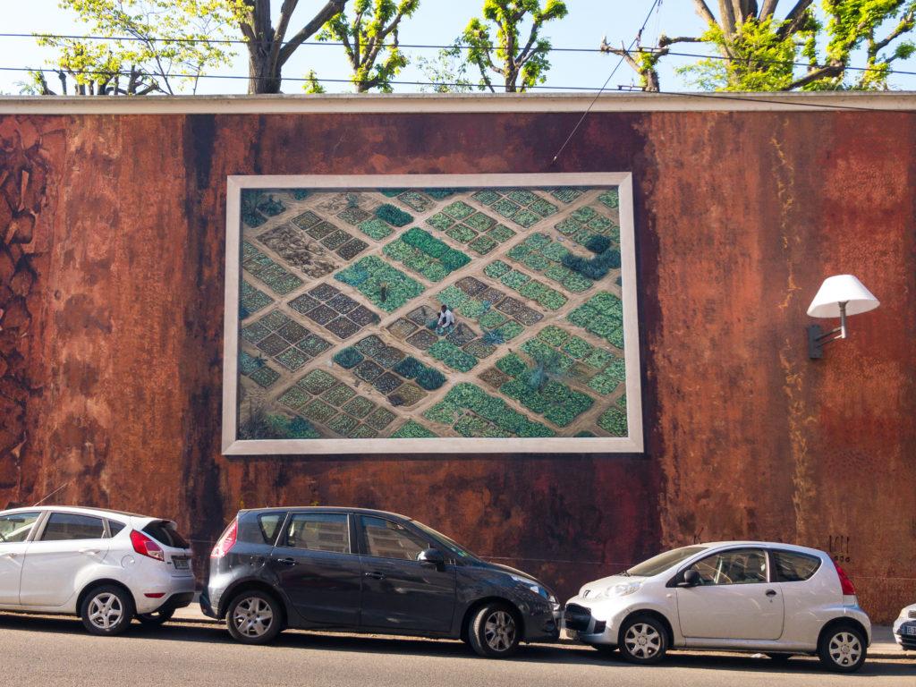 リヨンクロワルースの壁画