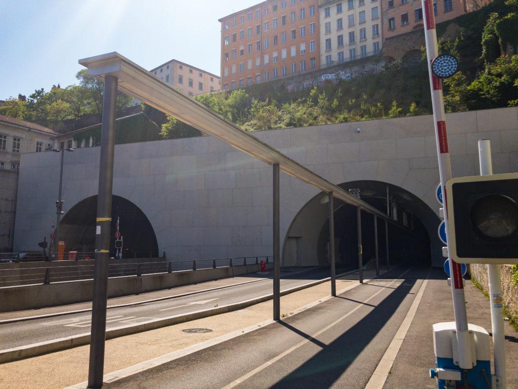 リヨンのクロワルースのトンネル