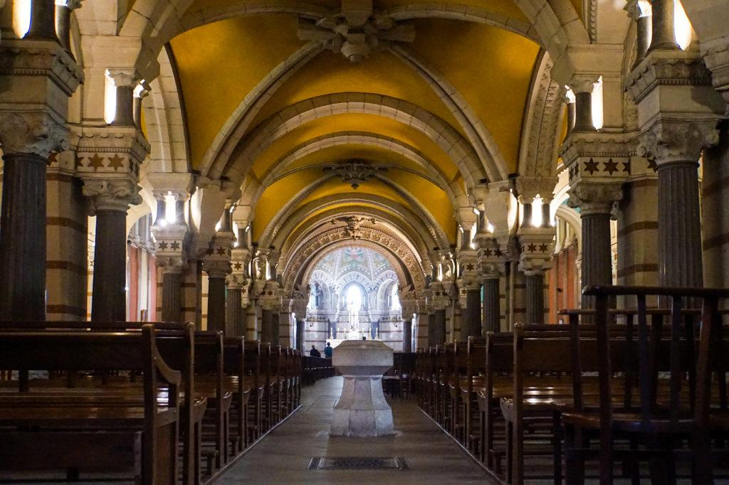 リヨンのノートルダム大聖堂、地下の内装
