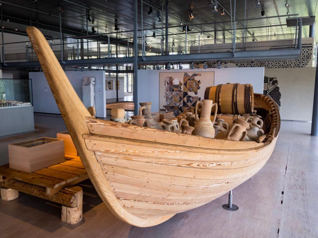 ガロ・ローマ博物館の船