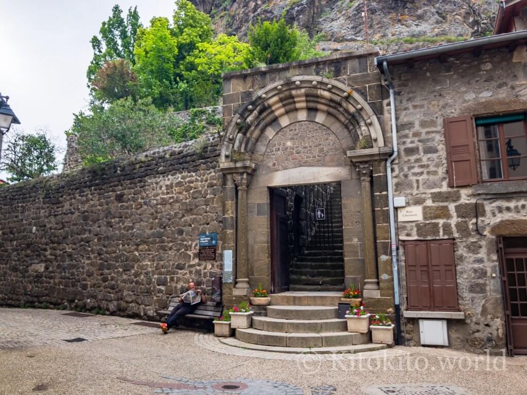 ルピュイの奇岩への入口